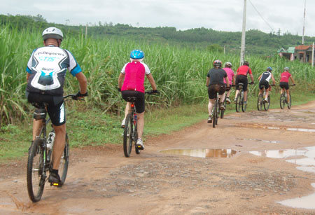 laos_biking
